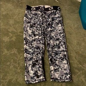 Size small GAP Fit Workout Leggings